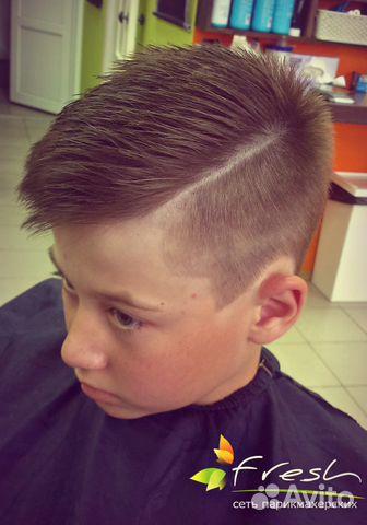 Прически для мальчика бритые бока