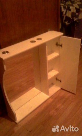 Шкафчик с зеркалом  комнату