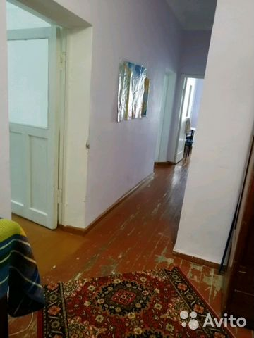 Продается трехкомнатная квартира за 1 200 000 рублей. Свердловская обл, г Нижняя Тура, ул Яблочкова, д 26.