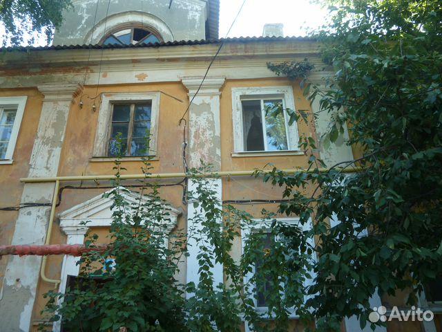 Продается двухкомнатная квартира за 950 000 рублей. г Саратов, ул Соколовогорская, д 11.
