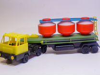 Новый грузовик бетономешалка с коробкой 32см