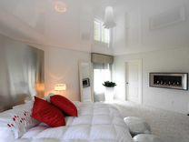Натяжные потолки белые